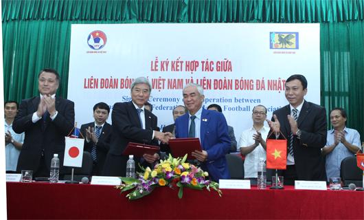Ký kết hợp tác giữa Liên đoàn bóng đá Việt Nam và Liên đoàn bóng đá Nhật Bản