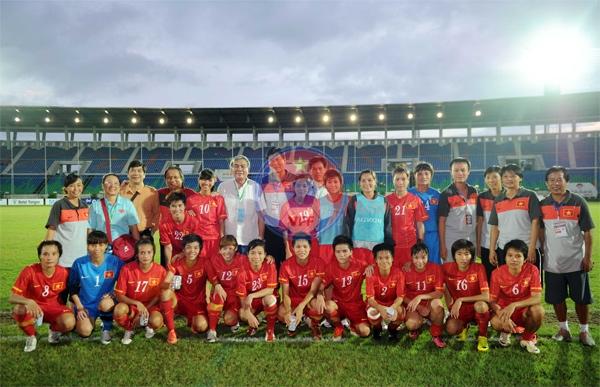 Đội tuyển nữ Việt Nam giành HCĐ tại giải vô địch nữ Đông Nam Á 2013