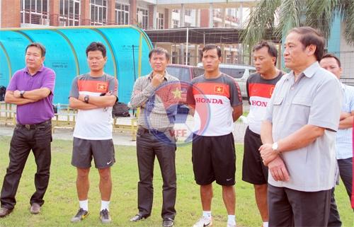 Chủ tịch Nguyễn Trọng Hỷ thăm DTQG nhân dip toàn đội sang Qatar tập huấn cho vòng loai Asian Cup 201