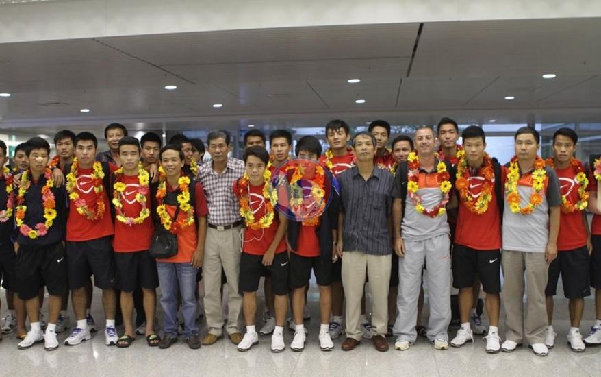 Đội tuyển U19 Việt Nam trở về nước sau thành công tại giải U19 Đông Nam Á 2013