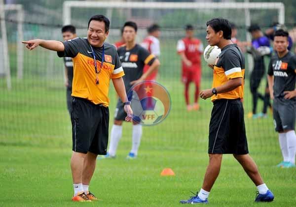 Đội tuyển U23 Việt Nam tập luyện chuẩn bị SEA Games 27