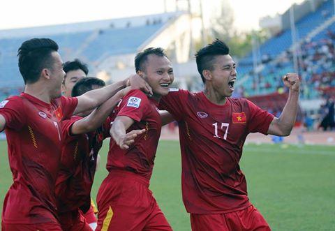 Album ảnh tuyển Việt Nam gặp tuyển Malaysia tại lượt trận thứ hai giải AFF Suzuki Cup 2016