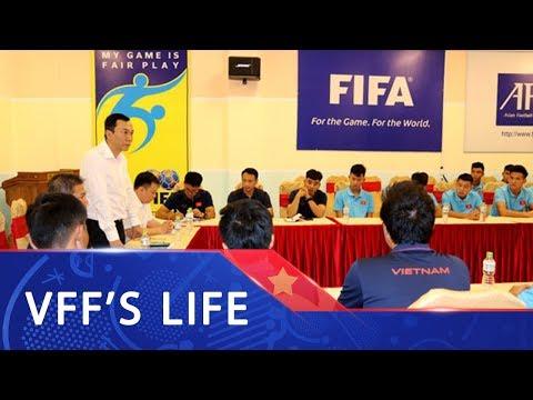 VFF gặp gỡ ban huấn luyện và các cầu thủ U18 Việt Nam trong ngày đầu tập trung