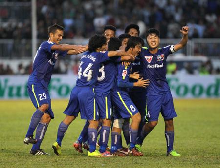 Những tiền vệ tổ chức được chờ đợi nhất V-League 2015