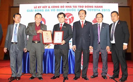 Lễ ký kết và công bố Nhà tài trợ đồng hành Các Giải BĐCN Việt Nam 2015