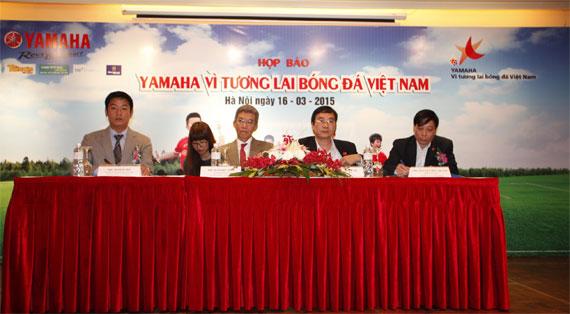 """Khởi động chương trình """"Vì tương lai bóng đá Việt Nam 2015"""""""