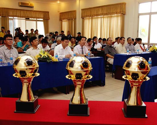 Quả bóng vàng Việt Nam lần thứ 20: Công bố 15 cầu thủ xuất sắc nhất năm 2014
