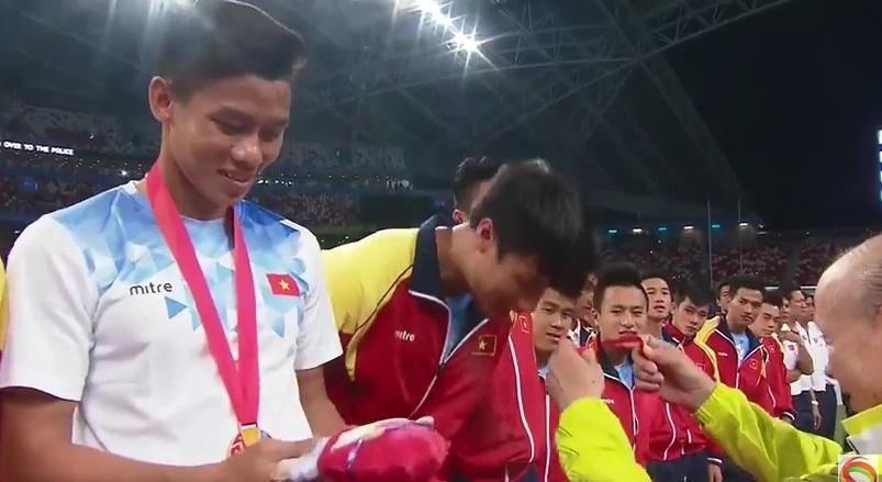 [VIDEO] Lễ trao giải môn bóng đá nam SEA Games 28