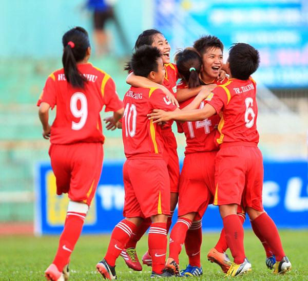 Tp Hồ Chí Minh chính thức lên ngôi vô địch giải bóng đá nữ VĐQG - Cúp Thái Sơn Bắc 2015