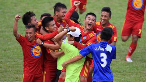VCK giải Bóng đá U17 Quốc gia báo Bóng đá - Cúp Thái Sơn Nam 2015: Quảng Ngãi và Viettel giành quyền chơi bán kết