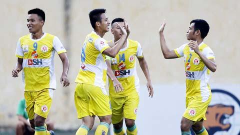 Vòng 6 giải HNQG Kienlongbank 2015: CLB bóng đá Huế thất bại trước đội bóng cuối bảng