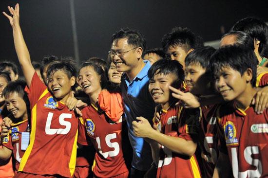 Ông Trần Anh Tú, chủ tịch LĐBĐ TPHCM: Tiếp tục tập trung cho bóng đá nữ