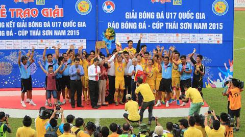 U17 PVF bảo vệ thành công ngôi Vô địch giải bóng đá U17 QG báo Bóng đá - Cúp Thái Sơn Nam 2015