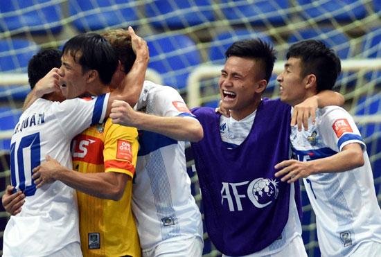 VCK giải Futsal các CLB châu Á 2015: Xuất sắc đánh bại Al Rayyan SC, Thái Sơn Nam giành vé vào bán kết