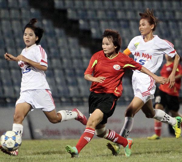 Lượt trận thứ 5 giải bóng đá nữ U19 Quốc gia 2015 (15/8): Than KSVN vững ngôi đầu