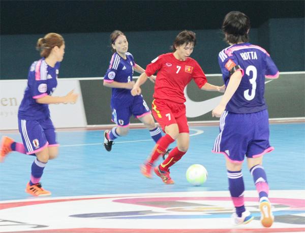 Giải Vô địch Futsal nữ châu Á 2015: Đụng Nhật Bản, tuyển Việt Nam thua 2-4