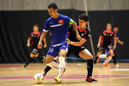 Giao hữu tại Tây Ban Nha, ĐT Futsal Việt Nam – CLB Santiago: 2-4