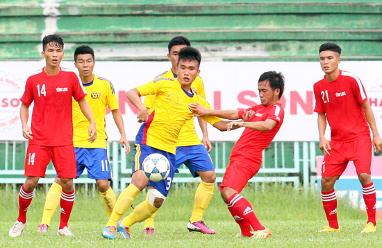 Khởi tranh Vòng loại U21 QG- Báo Thanh Niên 2015: ĐKVĐ SLNA bị chia điểm ở trận ra quân