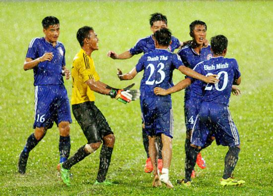 Kết quả Vòng loại U21 QG- Báo Thanh Niên 2015 (Ngày 9/10): Bất ngờ mang tên XSKT Cần Thơ