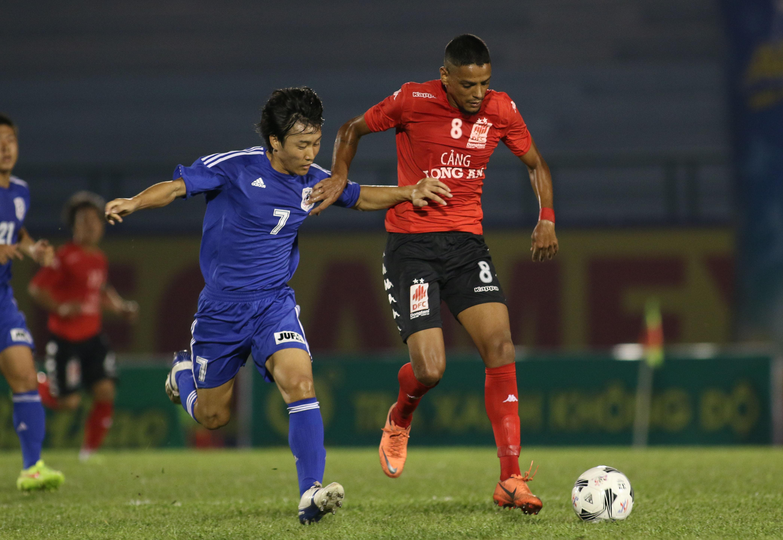 BTV Cup 2015: Than Quảng Ninh ngã ngựa, ĐT.LA hòa may mắn
