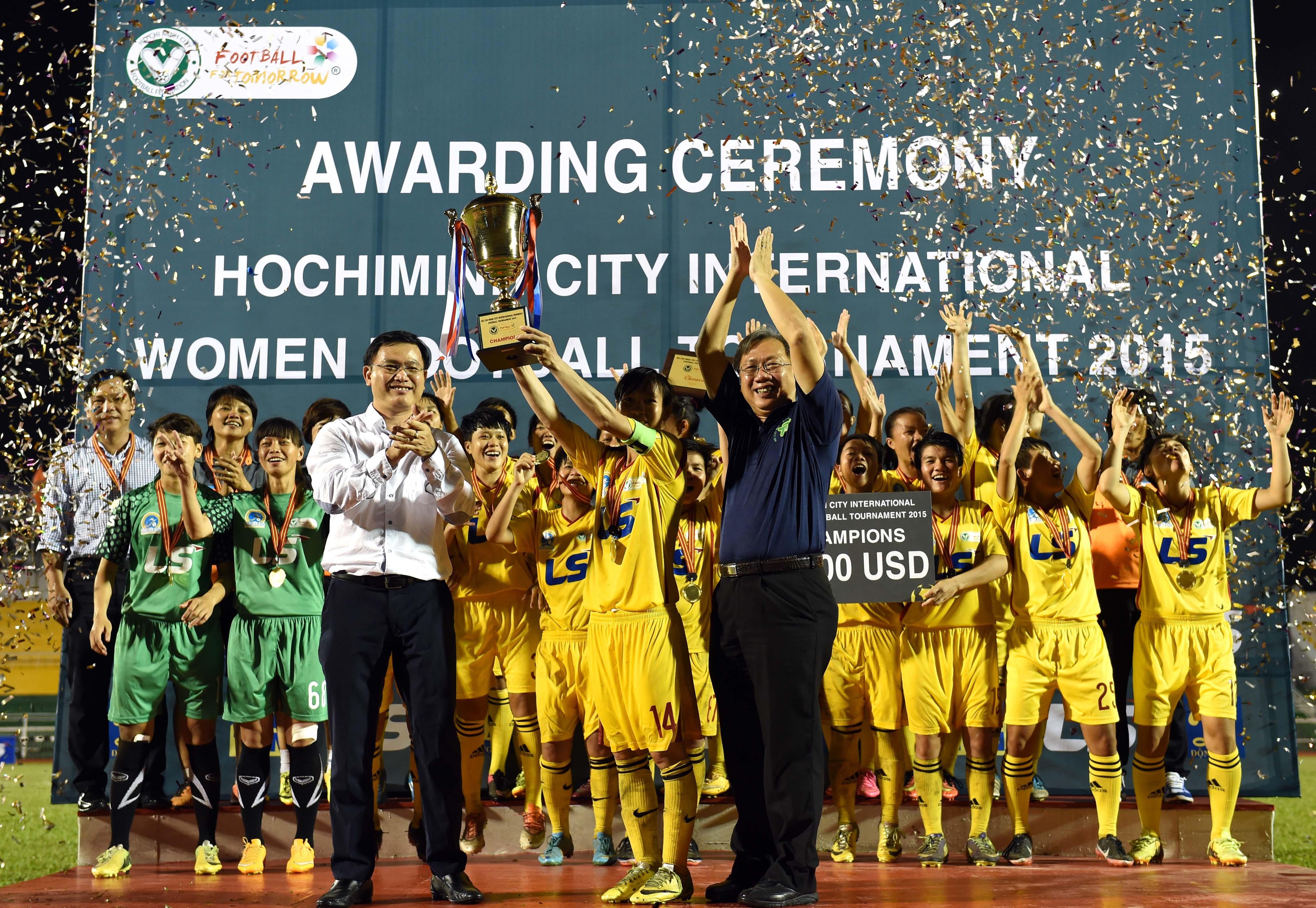 CLB Nữ TP.HCM đoạt Cúp vô địch Giải bóng đá nữ quốc tế TP.HCM 2015