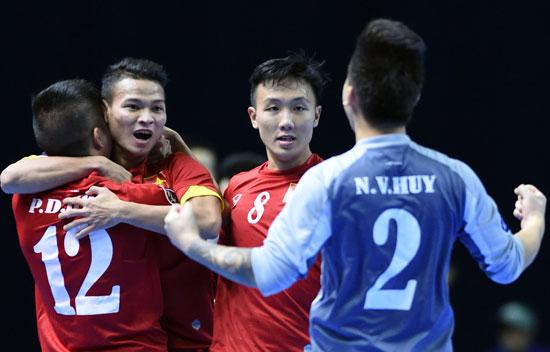 FIFA gửi thư chúc mừng ĐT Việt Nam giành quyền tham dự Futsal World Cup 2016