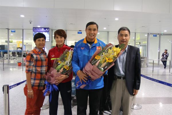 Đội tuyển nữ Việt Nam về nước, kết thúc chuyến thi đấu VL thứ 3 Olympic Rio 2016