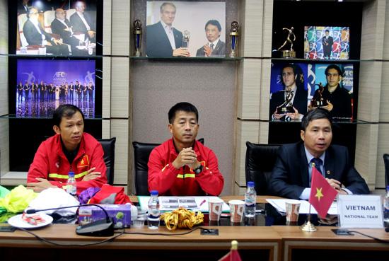 Họp kỹ thuật trước trận gặp ĐT Iraq: ĐT Việt Nam sẽ ra sân trong trang phục đỏ truyền thống
