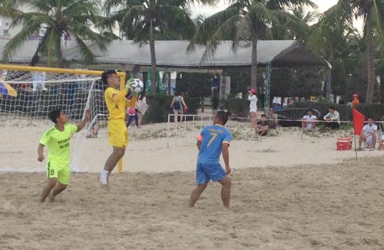 Vòng 3 giải bóng đá bãi biển VĐQG 2016: Sanest Tourist Khánh Hòa lên ngôi đầu bảng