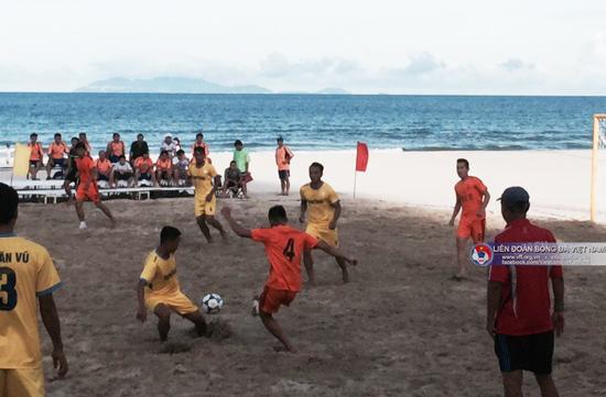 Vòng 4 giải bóng đá bãi biển VĐQG 2016: Thắng giòn giã, Đà Nẵng vẫn chưa thể trở lại ngôi đầu