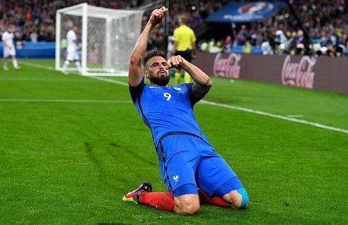 Ghi 2 bàn hạ Iceland, Giroud tuyên chiến với Đức