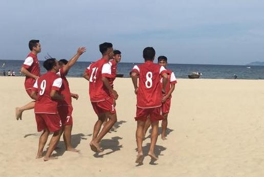 Thắng Trung Quốc 5-2, Việt Nam gặp Oman tại bán kết giải bóng đá bãi biển lục địa 2016