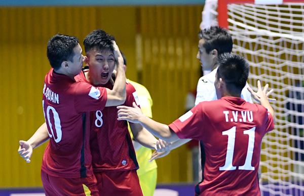 Tuyển Futsal Việt Nam thắng ấn tượng trong trận ra quân lịch sử tại VCK FIFA Futsal World Cup