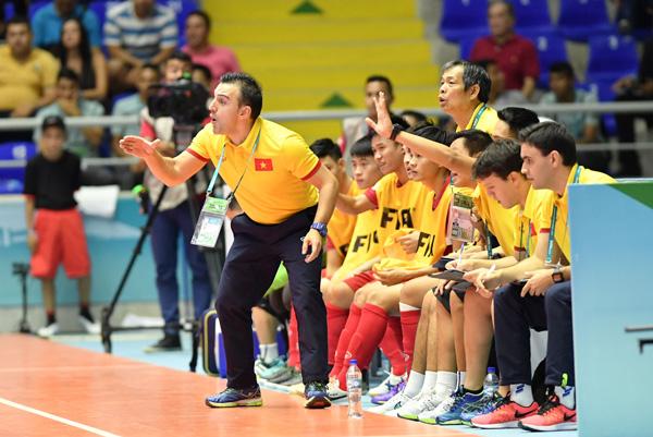 ĐT Futsal Việt Nam giành vé vào vòng 16 đội mạnh nhất thế giới
