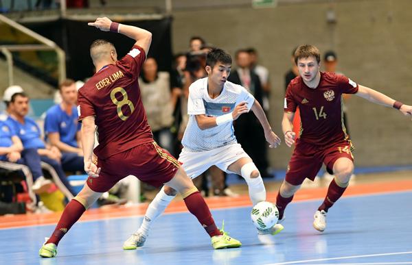 Không tạo được địa chấn trước Nga, ĐT Việt Nam dừng chân tại vòng 1/8 FIFA Futsal World Cup