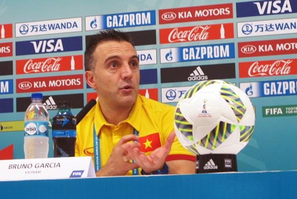 """HLV Bruno Garcia: """"Tôi vẫn cần phải nói lời chúc mừng với các học trò của mình"""""""