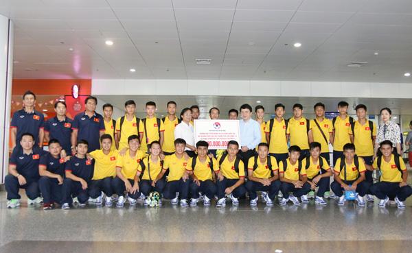 ĐT U16 Việt Nam về nước, khép lại hành trình đáng nhớ tại VCK châu Á 2016