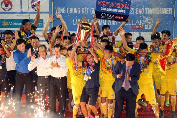 Hà Nội T&T bảo vệ thành công ngôi vô địch Giải U21 QG Báo Thanh Niên