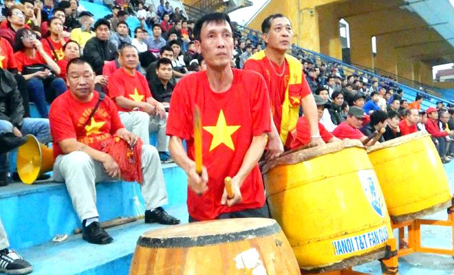 Fan Hà Nội và Than Quảng Ninh tự tin