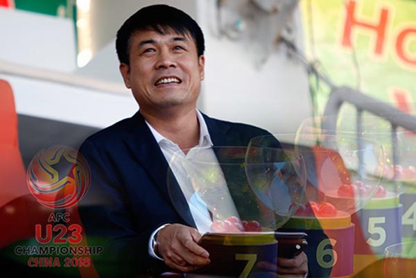 HLV Nguyễn Hữu Thắng tham dự Lễ bốc thăm Vòng loại U23 châu Á 2018