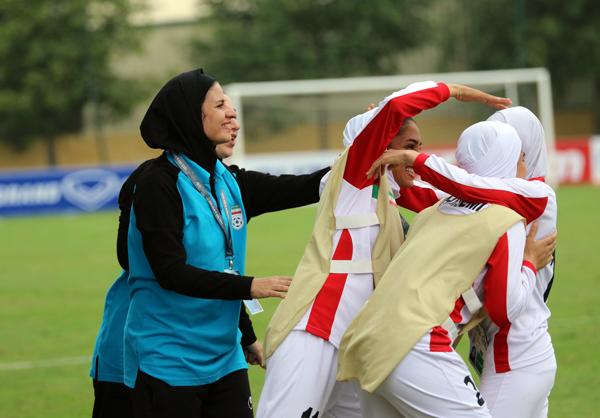 VL Asian Cup nữ 2018 (Bảng D, ngày 5/4): Thắng dễ Singapore, Iran có 3 điểm đầu tiên