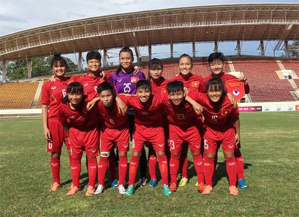 Giải U15 nữ ĐNA: Thắng Malaysia 2-1, Việt Nam có 3 điểm đầu tiên