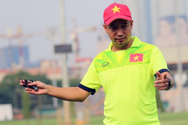 """HLV Vũ Hồng Việt: """"Mục tiêu lớn nhất là Vòng loại U16 châu Á 2018"""""""