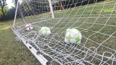 Thủ môn Jordan tập luyện với 'vũ khí' đặc biệt để đấu ĐT Việt Nam