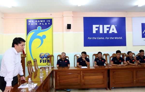 Lãnh đạo VFF động viên ĐT U15 Việt Nam trước ngày lên đường dự giải Đông Nam Á