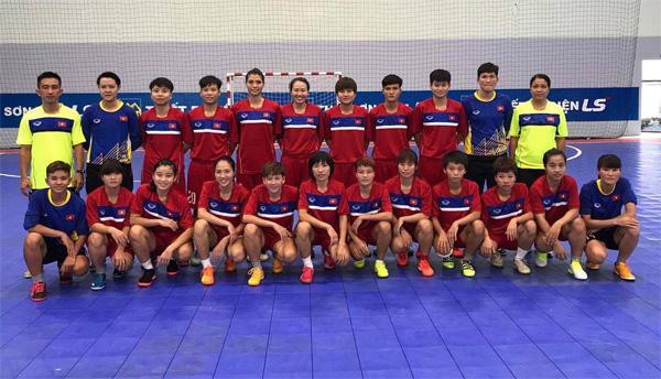 Đấu tập, ĐT Futsal nữ hoà 2-2 trước nam phong trào ĐH Công nghệ