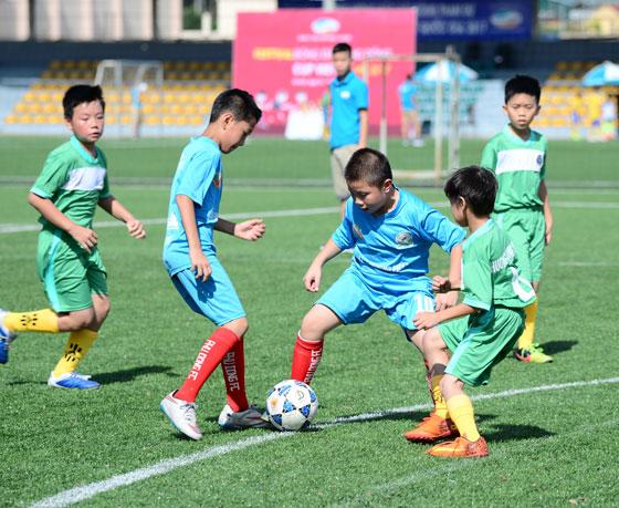 Viettel FC tuyển sinh học viên năng khiếu bóng đá nam toàn quốc