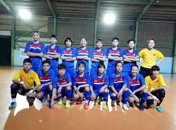 ĐT Futsal nữ thi đấu giao hữu với CLB Fuchu: Đã cải thiện khả năng dứt điểm