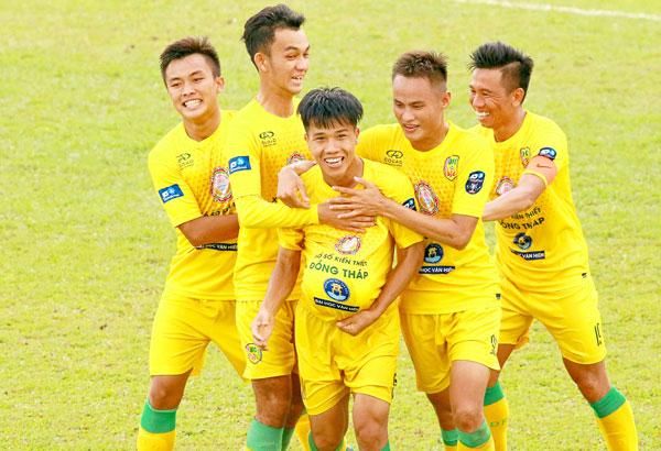 Thắng Bình Thuận2-1trong trận play-off, Đồng Tháp trụ hạng thành công