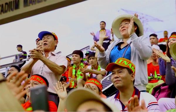 Ảnh dự thi Đồng hành cùng Đội tuyển U22 Việt Nam tại SEA Games 29: Người hâm mộ nơi đất khách